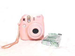 Instax mini 8 (NEGOTIABLE)
