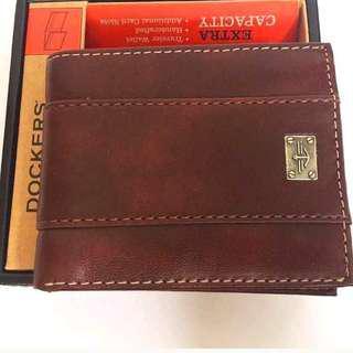 DOCKERS  Genuine Leather Handcrafted  Traveler Walletin Brown