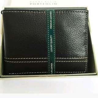 PERRY ELLIS PORTFOLIO  Genuine Leather Men's Wallet  Sheridan Passcase with   Removable ID Wallet, in Black
