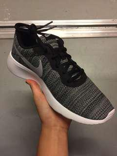 BRAND NEW Nike grey tanjun shoes
