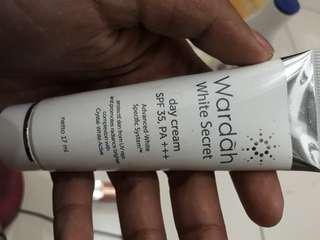 Wardah white secret day cream