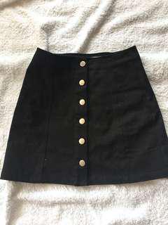 NEW black bottoned skirt