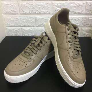 Nike Air Force 1 ultraforce lthr 卡其