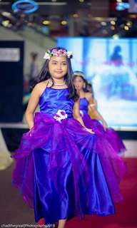 Gown for 8 to 10 yrs old color blue and violet used one tym only good as new