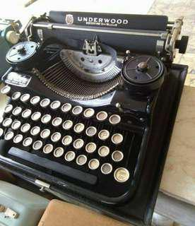 BUYING PO AQ MGA TYPEWRITER