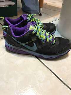 🚚 Nike 慢跑鞋