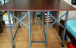 Folding Multipurpose Table with 4 chairs