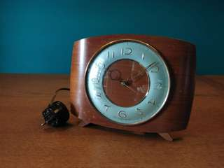 Antique Clock (made in great britain) working