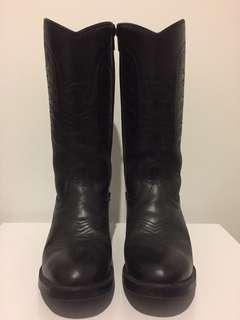 Cowboy midcalf boot