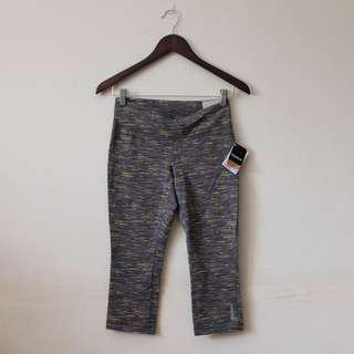 REEBOK BNWT Cropped printed leggings