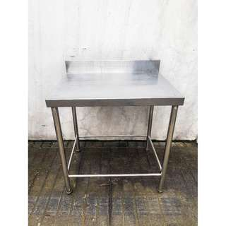 Stainless Steel Tables for Kitchen and Restaurant