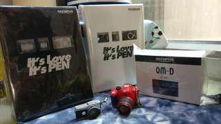 OLYMPUS 相機模型3個,加送2個相機匙扣