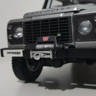 1/18 Kyosho Land Rover Defender D90 Indus Silver