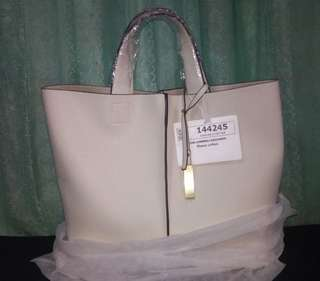 Shona Lefton bag by Mizzue