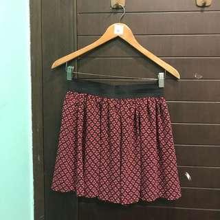 Mini Skirt atau Rok Pendek