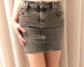 NEW WITH TAG!H&M Mini Jeans Skirt