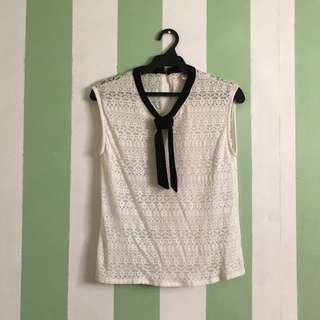 Knitted Sleeveless with bow tie