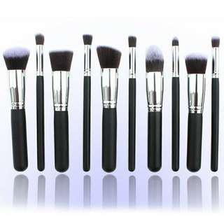 10 pcs Kabuki Makeup Brush Set $10