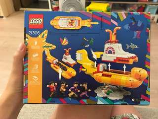 Lego 21306-The Beatles Yellow Submarine