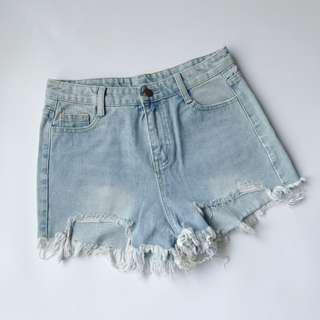 🚚 全新 刷破顯瘦牛仔短褲 L