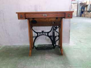 Antique Sewing machine table 古董收藏衣車桌