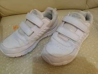 Dr Kong 35号白色運動鞋