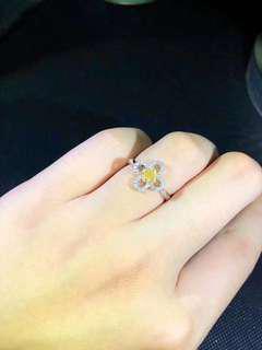 天然黃色鑽石18k金鑲嵌花卉戒指(natural yellow diamond ring 18k gold)