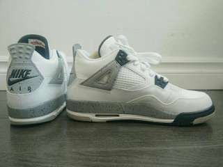 Air Jordan 4 Retro / Size 8