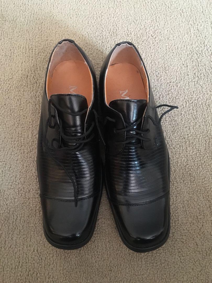 Black dressed shoe
