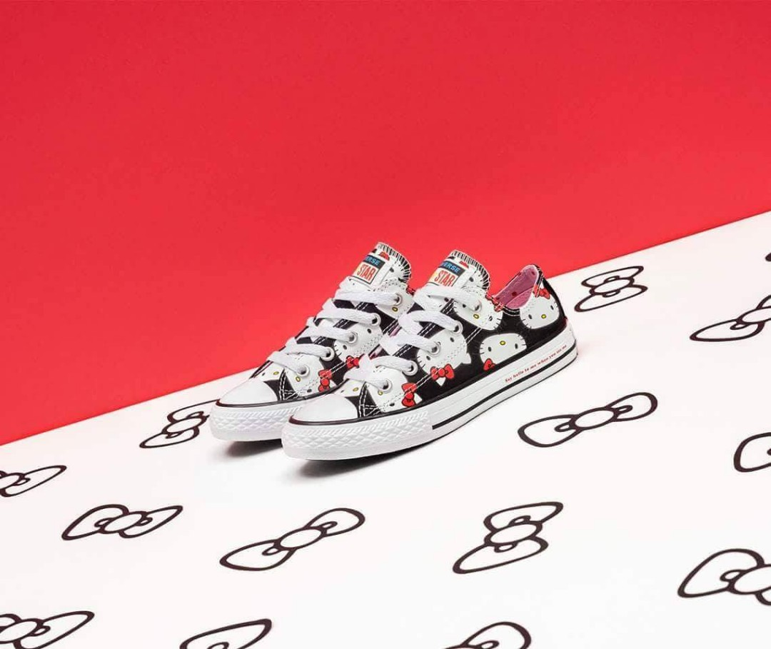 3e5f8930c5d HELLO KITTY Converse All Star limited edition