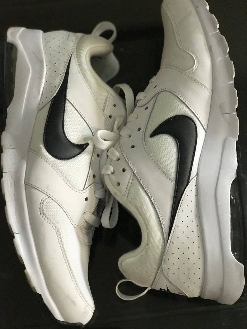 Sepatu Nike Cowok Preloved Fesyen Pria Di Carousell New Balance 565 Sneakers Hitam Photo