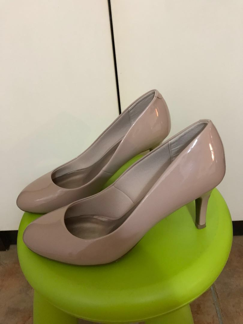 f869c71ec9 Shoes, Women's Fashion, Shoes, Heels on Carousell