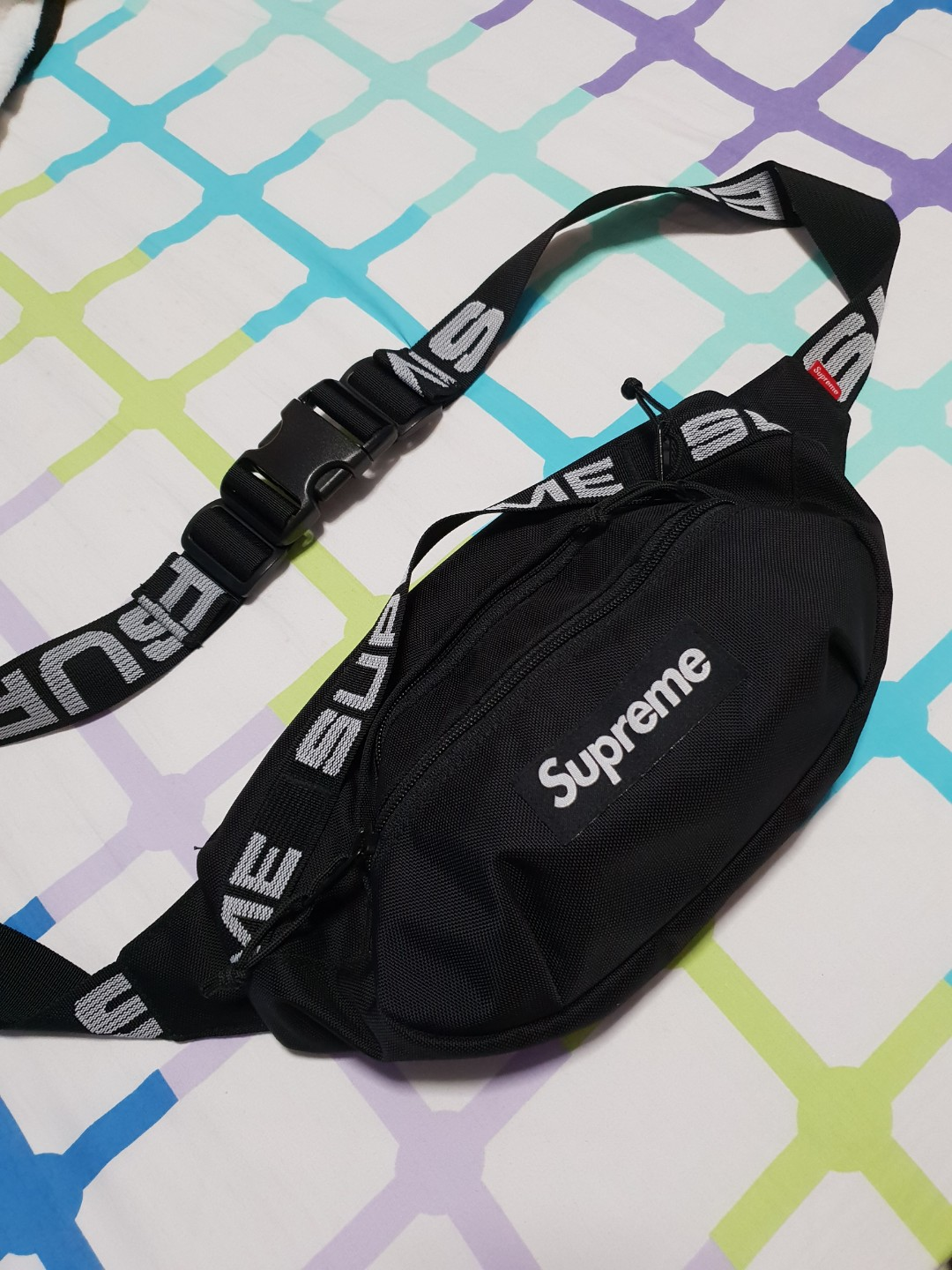 5f2a7c057b50 Supreme Waist Bag SS18 Black, Men's Fashion, Bags & Wallets, Sling Bags on  Carousell