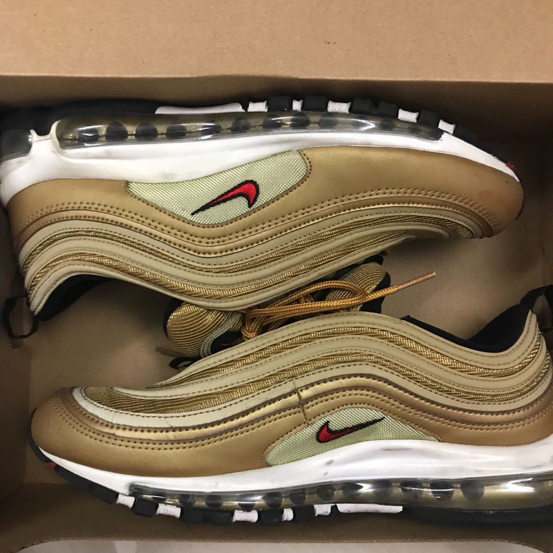 Térmico pensión Monica  US10 Nike air max 97 og qs gold, Men's Fashion, Footwear, Sneakers on  Carousell