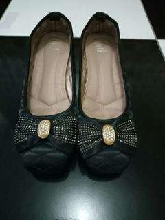 Sepatu fladeo black