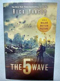 The 5th Wave (Movie Tie In Edition)