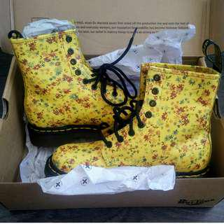 Dr. Martens 1460 Sun Yellow Little Flowers / Size 6