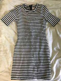 Aritzia tight tee shirt dress size 0