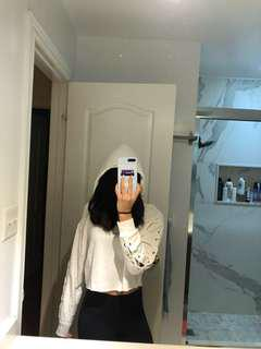 (Xs) PINK White Cropped Hoodie
