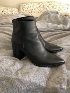 Tony Bianco leather boots size au 8.5 - 9 26cm heeled