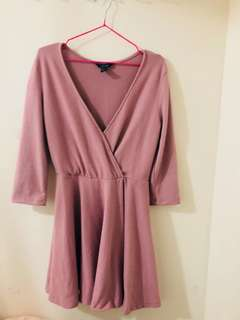 Women's pink long-sleeved dress