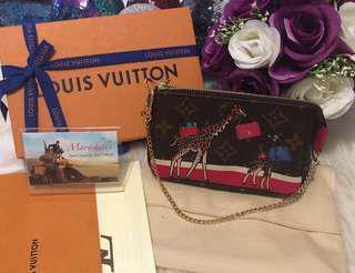 Louis Vuitton Mini Pochette Christmas Animation Limited Edition Giraffe Illustre