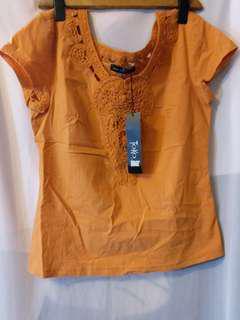 全新刺繡橙色彈性質料民族風女裝上衣連吊牌Sz 2