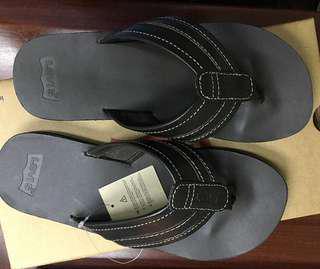 Levi's slipper flip flops 特價 美國入口 拖鞋 人字拖 US8