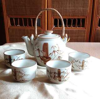 Teapot & 4 mini Cups - Unique Pastle Bamboo Motive
