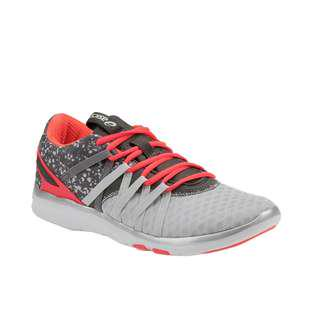 asics womens gel fit yui sports shoes in light grey/coral pink/white