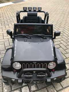 Jeep Rubicon ( mainan anak)