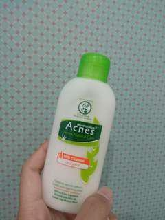 Acnes oil control milk cleanser