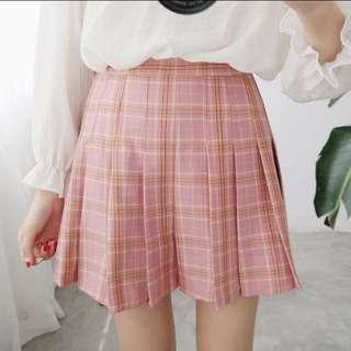 🚚 休閒百摺學院風格子短裙