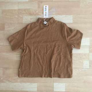 nwt camel brown mock neck top